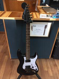 Squier Stratocaster Matte Black (White pick guard)